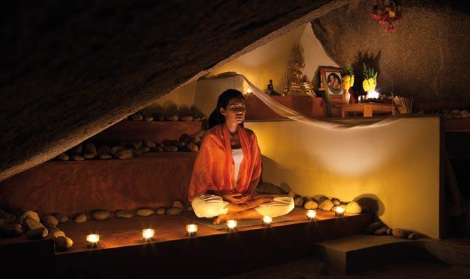 Buddhist retreats worldwide