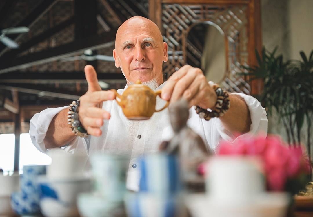 Tea Sharing with San Bao